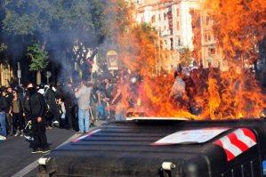 Roma, indignati, violenza, manifestazione, black block, comunismo, roberto recchioni, umore maligno, vita, amore