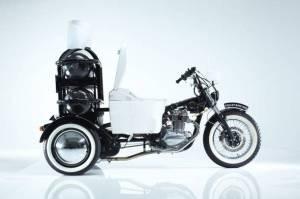 toilet-bike-neo-5, cacca, benzina, TOTO, escrementi