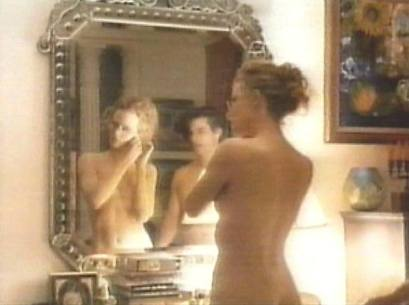 immagine riflessa nello specchio, specchio, difetti, ricerca di sè, interiorità, eyes wide shut